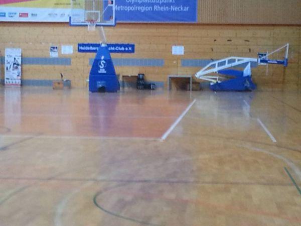 Turnierhalle der Deutschen Meisterschaft im Rollstuhlfechten in Heidelberg morgens gegen 7::30uhr