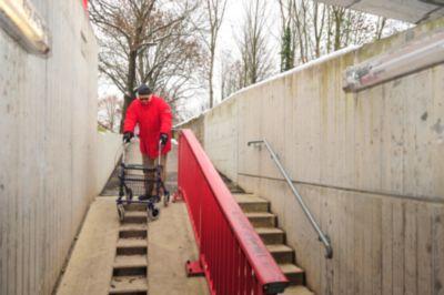 Treppen sind für Menschen mit eingeschränkter Mobilität ein großes Problem